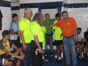 Alonso Ruiz, director deportivo del Ceutí, dio la bienvenida a los jugadores que conocieron al cuerpo técnico