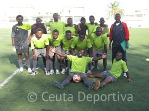 El FC Boza no pudo con Bomberos que ganó por 2-0 en uno de los partidos del grupo B