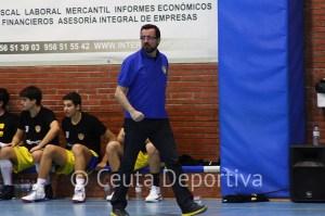 Juanma Delgado sigue al frente del junior del Juventud tras el título de campeón en la Copa Andalucía B