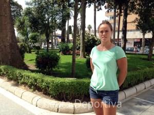 Isa Contreras, en la Plaza de África, disfruta de unas semanas de vacaciones en su ciudad