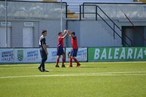 Los ceutíes festejan uno de los seis goles marcados ante el cuadro algecireño