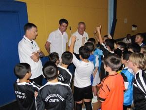 García Gaona ha conversado con los niños antes de la primera sesión preparatoria en 'Santa Amelia'