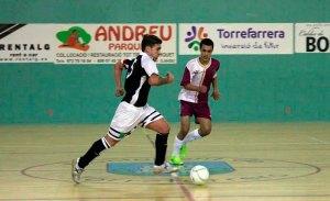 Un momento del partido disputado por los ceutíes y los castellano-manchegos en la inauguración de la Fase Previa del Nacional en Lleida