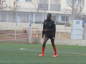 Abdoul, que estuvo unos días a prueba en el Xerez CD, juega de pivote defensivo y central