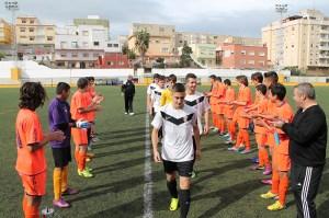 Los jugadores del Natación hicieron el pasillo de honor a los del Ceutí