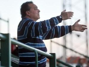 Mario Rojas, que no podrá sentarse en el banquillo por sanción, asegura que su equipo lo dará todo en el Murube. Foto: Cordobadeporte