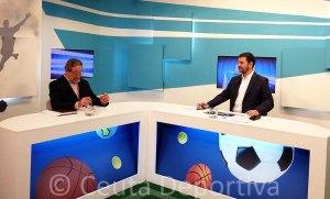Un momento de la entrevista realizada anoche por Javier Navas a García Ponferrada en 'Club Deportivo' de RTVCE