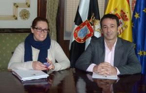 Carolina_Hurtado_Mendoza_ICD_Deporte_Fernando_Ramos_consejero_Juventud_Turismo_Fiestas_sala_rotonda_1web