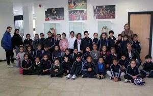 Los alumnos del 'Andrés Manjón', en la sede federativa / Foto: FFCE