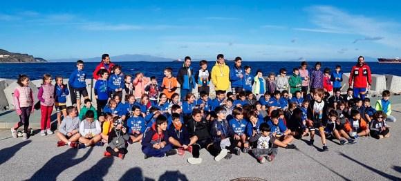 Foto de familia de los participantes en el II Duatlón de Navidad del Club Tridingo