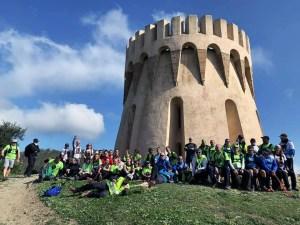 Los participantes en la IV Marcha '7 Leguas', en el fuerte de Aranguren