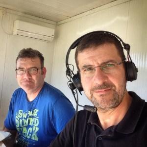 Juanma y Javier Navas, durante una retransmisión en el estadio Alfonso Murube