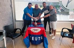 Mur, Paquirri, Castillo y Salinas, en el acto de homenaje a los infantiles del Puerto campeones de España