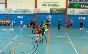 Jugadores unionistas celebran el cuarto y definitivo gol de Hatim ante el Intergym