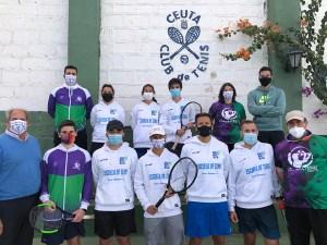 Luis Mediero, abajo a la izquierda, con los alumnos del curso de entrenador/monitor celebrado en Ceuta