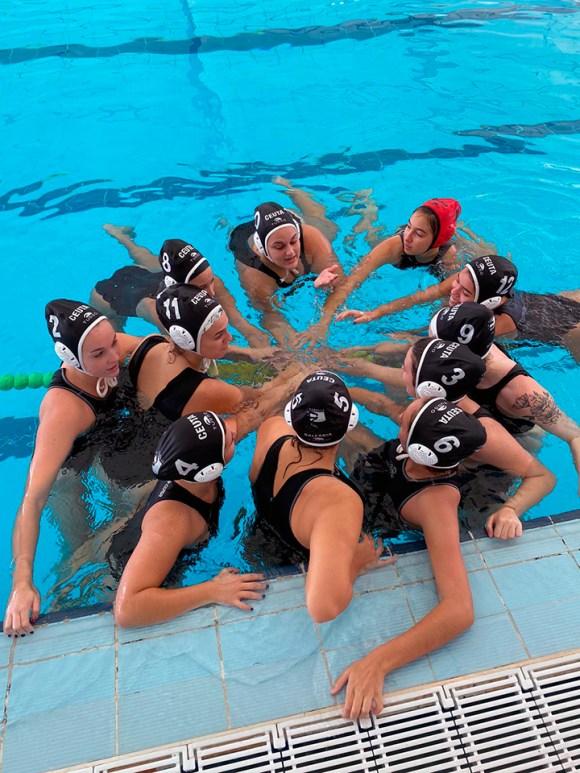 Imagen del equipo femenino del Caballa, durante el partido de este sábado
