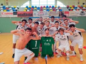 Jugadores del Deportivo UA Ceutí celebran su victoria sobre el CD Puerto, este domingo en el 'Guillermo Molina'