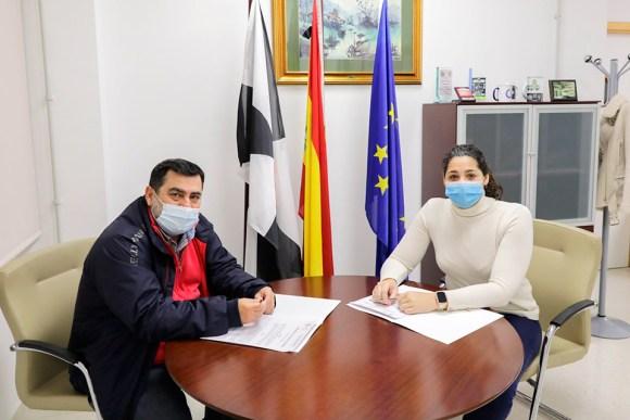Alfonso Roldán y Lorena Miranda, este jueves en el despacho de la consejera de Juventud y Deporte