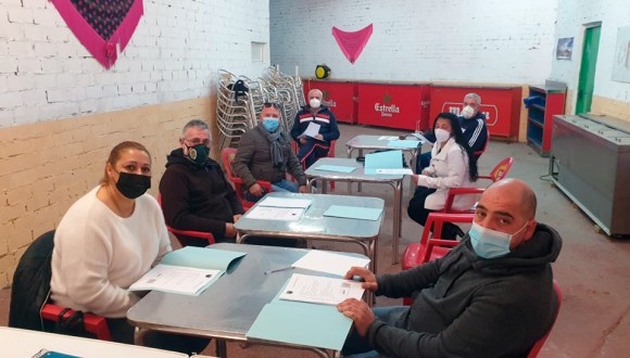 Una imagen de la asamblea celebrada este viernes en la sede del CP José Zurrón