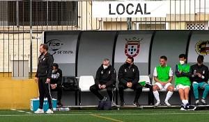 José Juan Romero, este domingo en el banquillo de la AD Ceuta FC en el José Martínez 'Pirri'