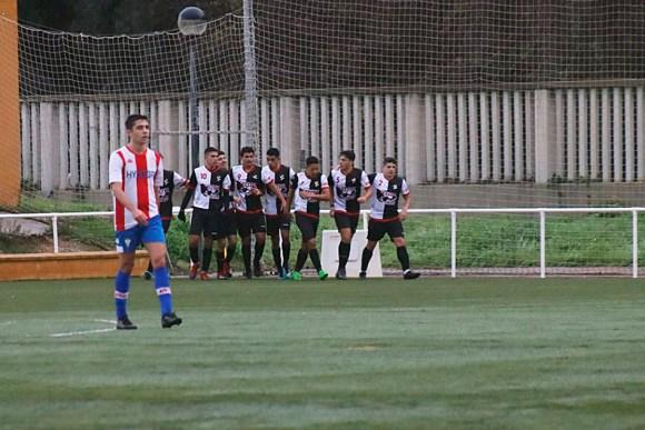 Jugadores del Sporting de Ceuta celebran uno de sus goles / Foto: DeportesCG