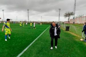 Juan Hernández, cabizbajo, durante el partido del Polillas ante el Sevilla FC del pasado miércoles