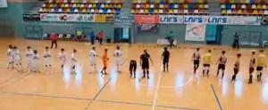 Los jugadores del Deportivo Ceutí y el Gójar, antes de iniciar su partido en el 'Guillermo Molina'