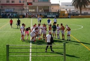 Los jugadores del Ceuta B celebran su ascenso a Tercera División RFEF / Foto: S. Camacho