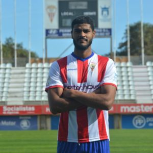 Álvaro Telis, con la camiseta del Algeciras