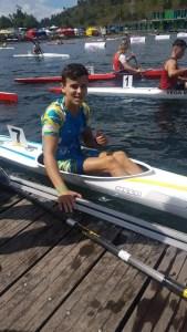 Raúl García, uno de los palistas junior de Los Delfines