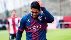 Isma Lohoba, en un partido con el Huesca B