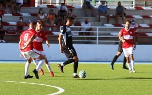 Un lance del partido disputado la pasada semana por el Ceuta en el campo del San Roque