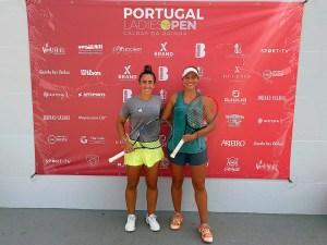 Olga Parres y Francesca Jorge, durante el torneo celebrado en Portugal