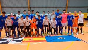 Los jugadores del Deportivo Ceutí y el Peña Real Madrid de Melilla, hermanados al final del partido