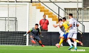 El Ceuta ha insistido en ataque pero el gol se ha resistido