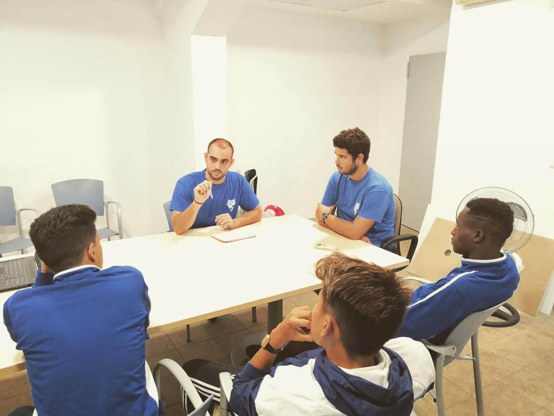 Solidaridad, valor trimestral del CF Can Vidalet.🔵⚪️ Ayer, Óscar Capitán se reunió con diferentes entrenadores para gestionar un plan de trabajo con el fin de trabajar a nivel de equipo y club el valor de la solidaridad