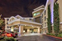 Holiday Inn Express & Stes Houston Dwtn- Tourist Class