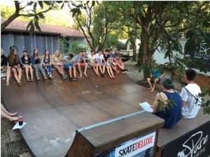 2. Referat im Camp über die Geschichte des Surfens