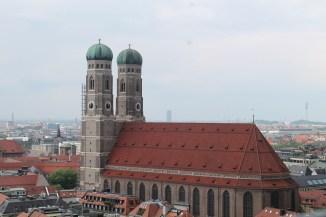 Die Frauenkirche vom Alten Peter aus