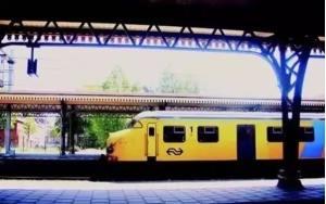 离开荷兰后才发现:鬼地方,我是那么的想念你 NS 300x188