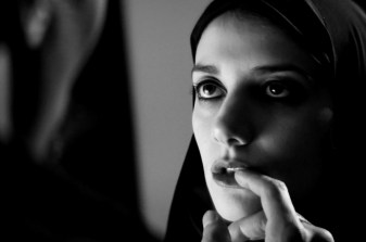 A Girl Walks Home Alone At Night (Movie) Review - 2015-01-23 13:50:41