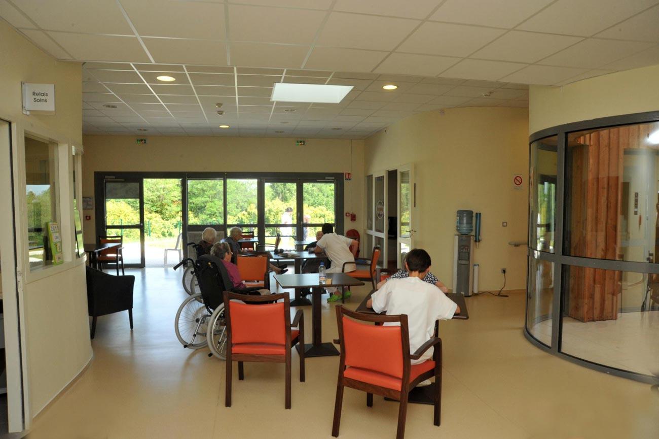 Image Salle à manger quartier pinede-unite protégée - EHPAD de Bazas