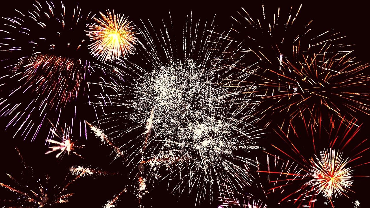 CH cosmetics wünscht ein erfolgreiches Jahr 2016!
