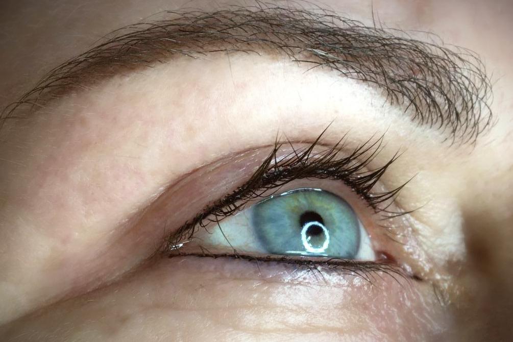 Wimpernkranzverdichtung Permanent Make-up bei CH cosmetics