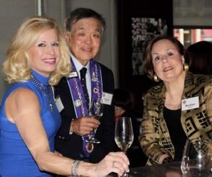 Pamela Olscamp, Chevalier Chuck Hong, Vice Conseiller Gastronomique Honoraire Margaret Harris