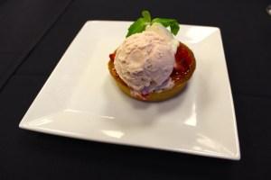 Strawberry tart with rhubarb gelato