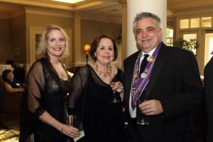 Lisa Papa, Vice Conseiller Gastronomique Marilyn Harris, Chevalier Will Papa