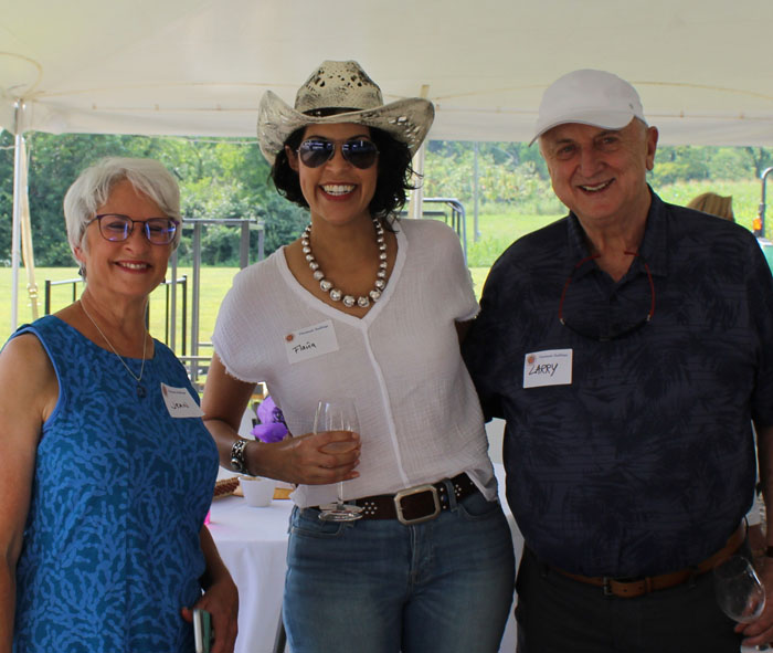 Jean Haynes, Flavia Bastos, and John Huston