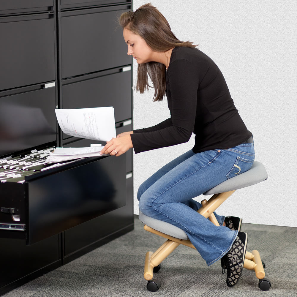 ergonomic chair kneeling review black spindle i used a for week here s what happened