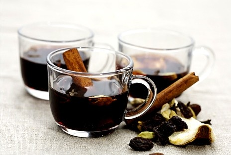 mulled wine recipe Swedish glogg recipe with cinnamon, cloves and angostoura bitters